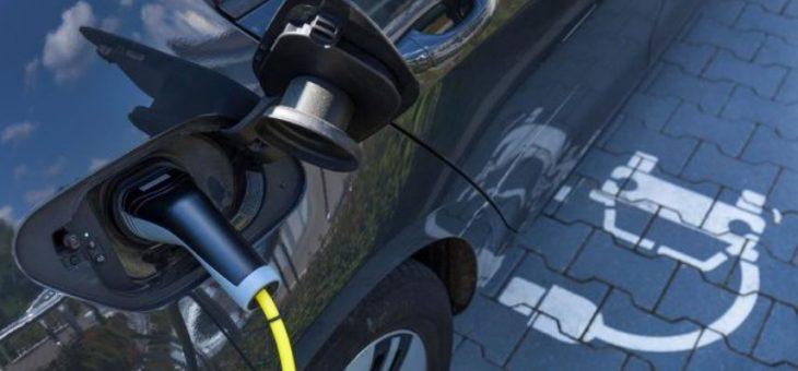 Autos híbridos y eléctricos aceleran sus ventas en México
