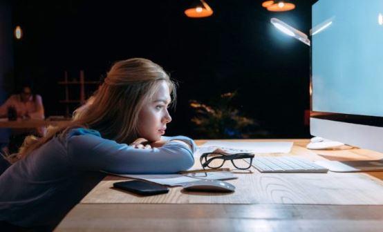 Claves para reducir el impacto de la soledad en el espacio de home office